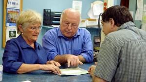 Familie Blüm bei der Ahnenforschung in den USA (Bild: WDR)